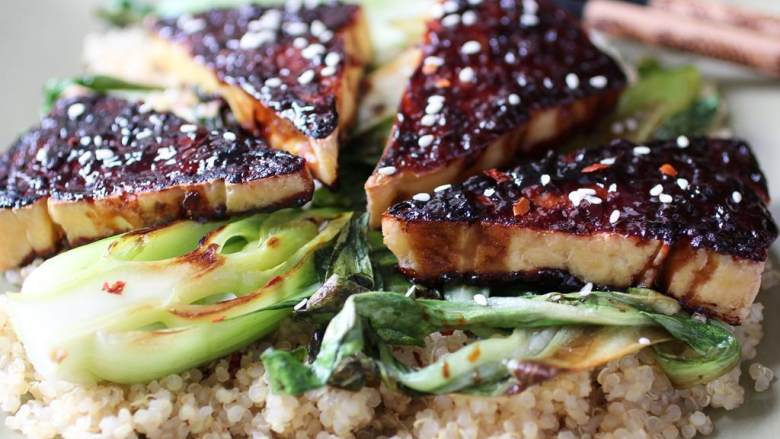 照烧豆腐配芝麻油青菜