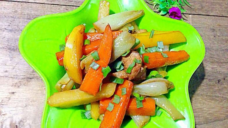 家常炖芸豆,装盘,撒点葱花碎