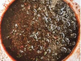 加勒比风情烤鸡配蔬菜,搅拌均匀。