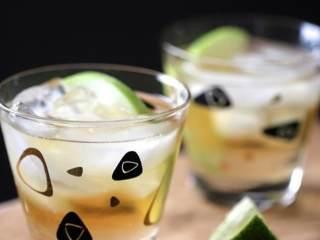 苹果生姜朗姆酒