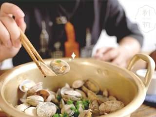 酒蒸蛤蜊,暖一壶酒,煮一锅蛤蜊,过一个冬天。