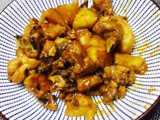 土豆焖鸡腿,出锅 Yummy~~