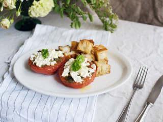 希腊番茄佐土耳其扁面包