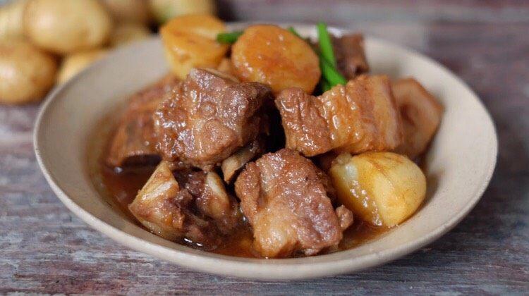 【再添一碗饭】の土豆炖猪肉