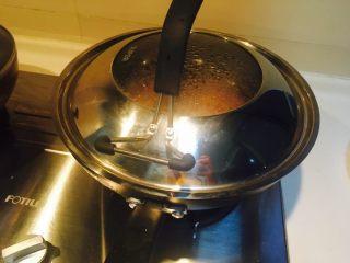 精瘦肉甘蓝土豆焖面,盖锅盖焖