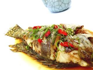 #味道鲜美的#清蒸桂鱼,撒了一点熟热芝麻点缀。(^_^)