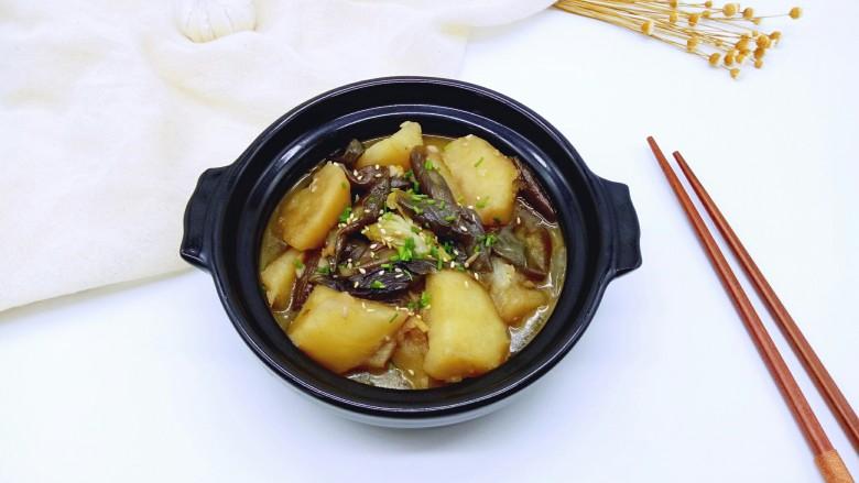 土豆茄子白菜煲