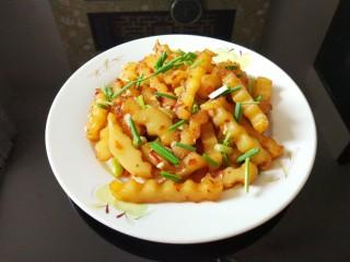孜然土豆,洒香葱,好吃停不下来。