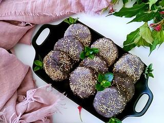 三合面粉混搭紫米鲜肉饼(烤箱)