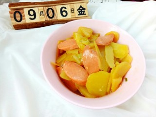 火腿肠炖土豆,效果图,漂亮吧。😊😊