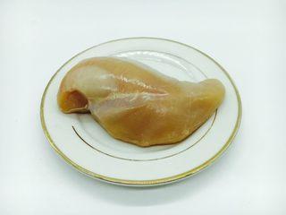 宫保鸡丁,主要食材:鸡胸肉