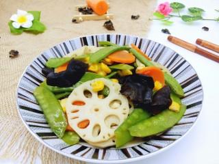 #时令蔬菜#荷塘月色小炒,近看颜色很诱惑有没有。