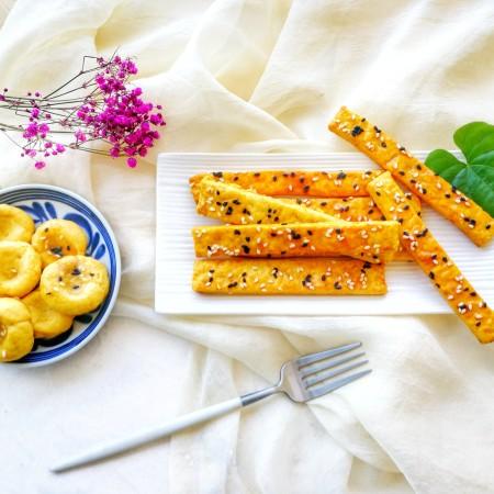 两种造型的红薯芝麻饼干,酥脆香甜有营养~