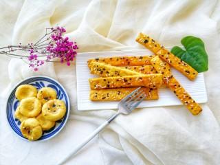 两种造型的红薯芝麻饼干,酥脆香甜有营养~,来尝尝吧,真香啊,酥脆香甜~