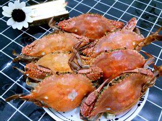 清蒸海飞蟹,正好到了季节,海飞蟹这个时候特别鲜美