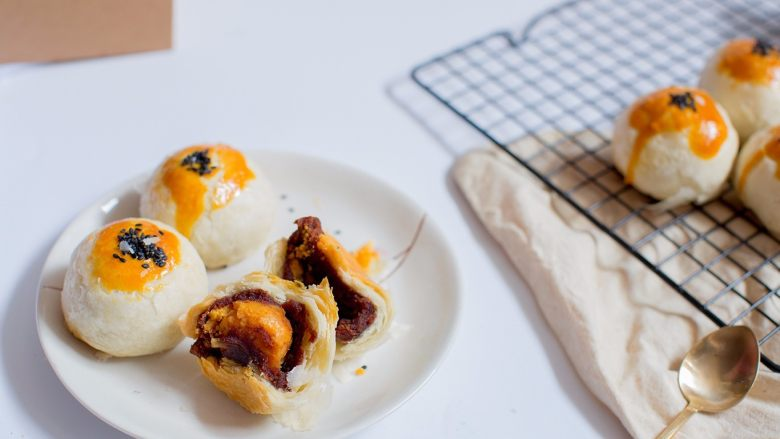 中秋月饼怎么做?手把手教你做蛋黄酥