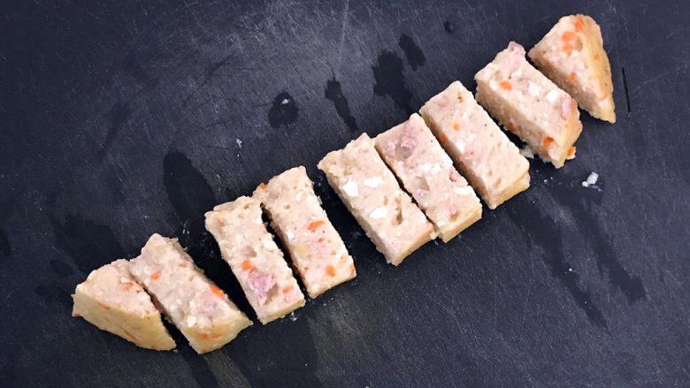什锦肉末豆腐蒸糕,什锦肉末豆腐糕晾凉后切成小块