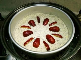 桂花松糕,入蒸锅大火蒸10分钟即可