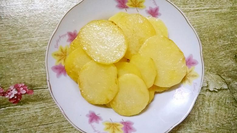 香辣土豆片,盛起来