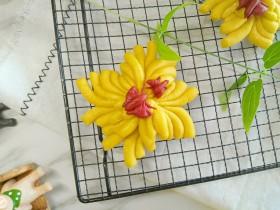 花香蝶来盛菊面食