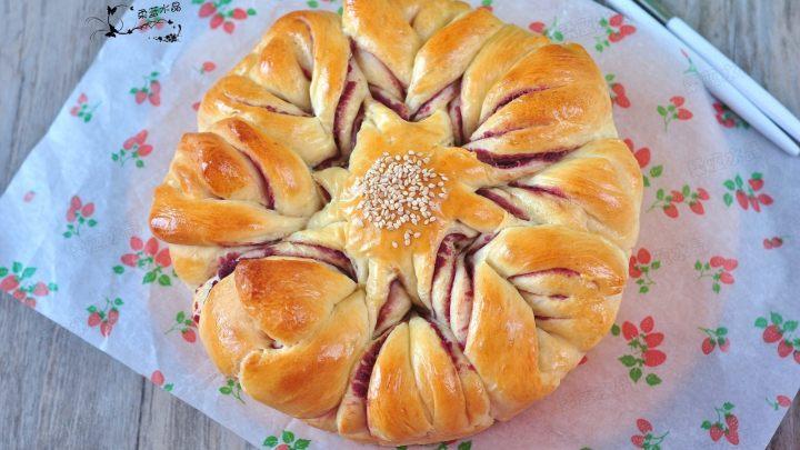 花朵紫薯面包