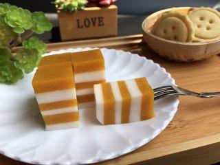 芒果牛奶千层糕,做下午茶非要不错哟! 香甜幼滑,冰爽弹牙!