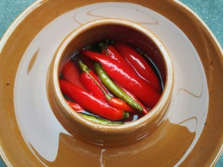 泡椒猪肝,先看看我的泡菜坛子。