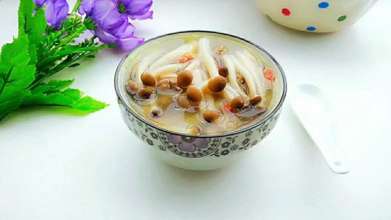 茶树菇鸽子汤