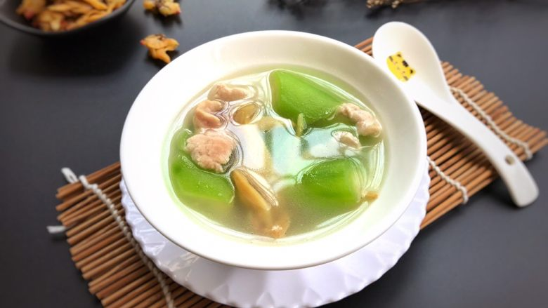 花蛤瘦肉丝瓜汤