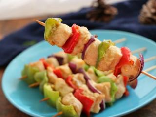 #咸味#缤纷低脂鸡肉串(空气炸锅版),低脂又营养,味道与颜值都是满分哦~