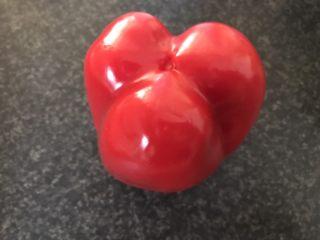 猕猴桃烤猪小排,先来制作甜椒粉。
