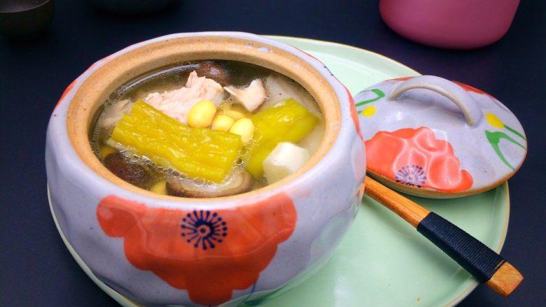 焖烧罐凉瓜黄豆排骨汤