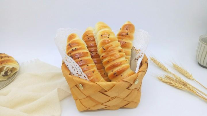#甜味#毛毛虫豆沙面包