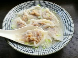石蛤蟆水饺(博山水饺的包法),既是饺子又可以当馄饨吃,一举两得!