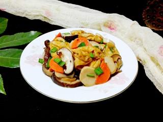 一白遮三丑的杏鲍菇香菇炒油面筋