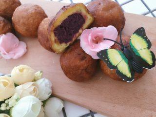 #甜味#糯米南瓜球,切开一个紫薯泥特有的香气,受不鸟啦