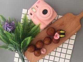 #甜味#糯米南瓜球,美味营养价值高的糯米南瓜球就完成了
