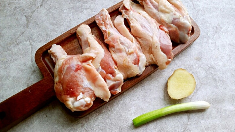 红烧鸭翅根,准备食材