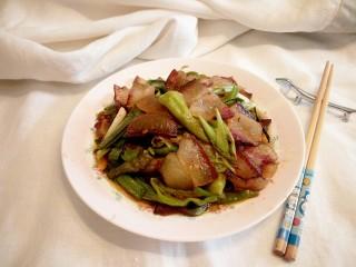 尖椒炒腊肉,成品图