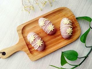 紫薯红枣花朵馒头。