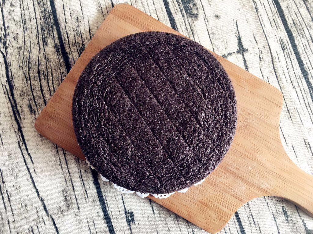 【无烤箱版】黑米蛋糕,蒸好的蛋糕非常漂亮</p> <p>一点也不比烤箱烤出来的差