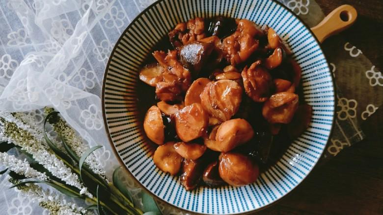 香菇板栗焖鸡腿