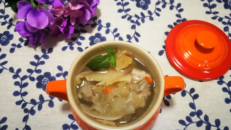 #一碗汤# 海底椰龙骨煲鳄鱼肉