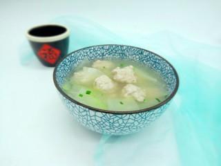 一碗汤+简单不失美味的冬瓜丸子汤,简单不失美味的丸子冬瓜汤加做好了。