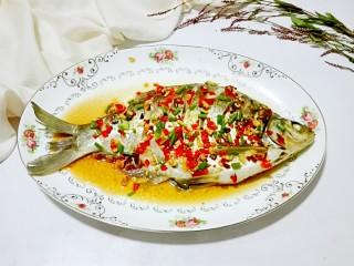 红红火火~清蒸鳊鱼,肉质嫩滑,味道鲜美的清蒸鳊鱼就成功了!😋