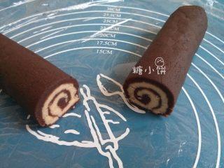 【斑纹豆沙莲蓉月饼】自制红豆沙+白莲蓉,切开的横断面就出现这样的螺纹了