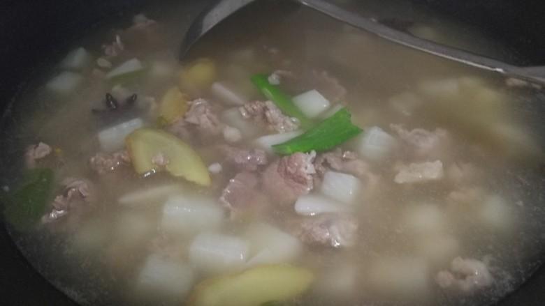晚餐+牛肉萝卜汤