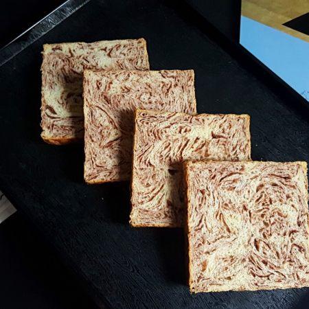 大理石纹豆沙吐司