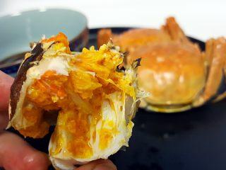 清蒸大闸蟹,17.剩下的部分就可以放心大胆的吃了。