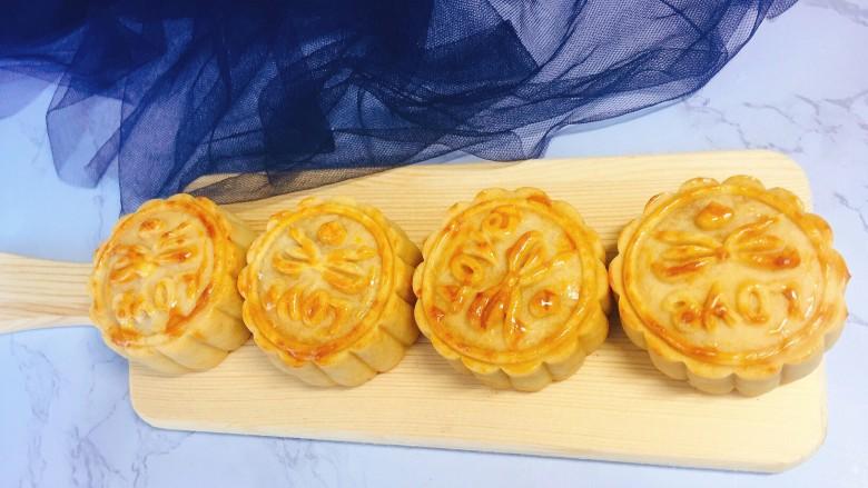 #午餐#中秋甜品蛋黄莲蓉月饼